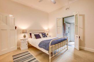 Leaning Oak – Bedroom 1