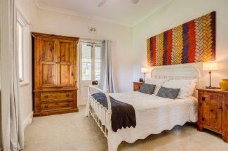 Leaning Oak – Bedroom 3